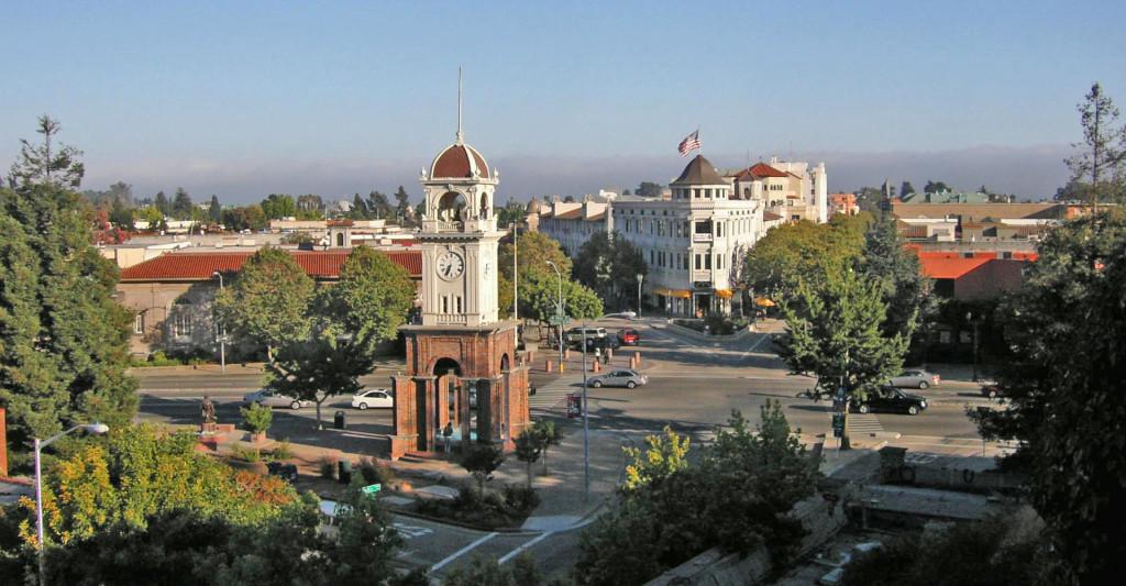 Downtown_santa_cruz,_cropped